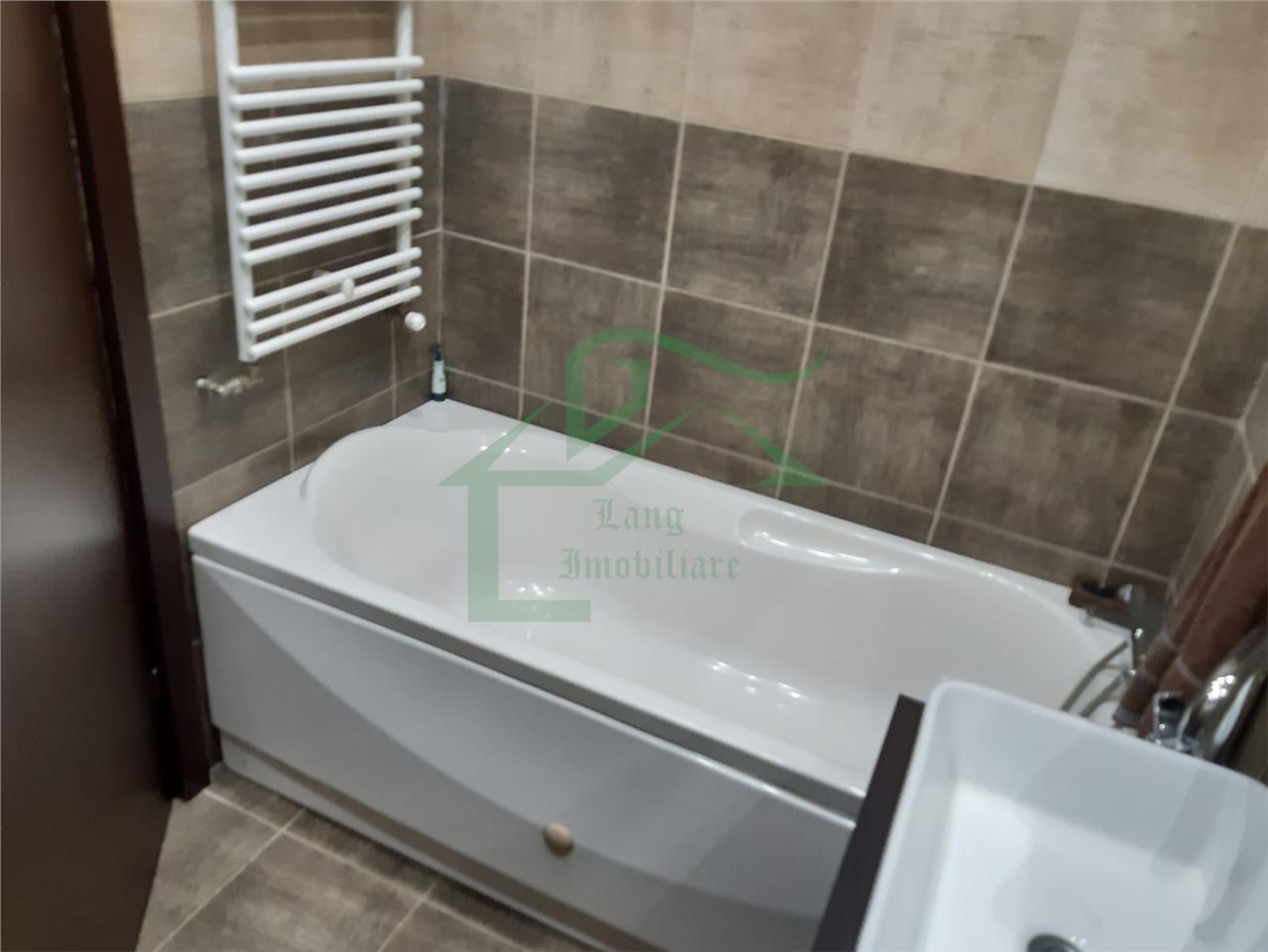 Apartament 3 camere de vanzare Central X1RF105D0