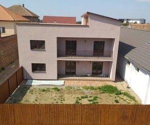 Apartament 3 camere de vanzare Alfa
