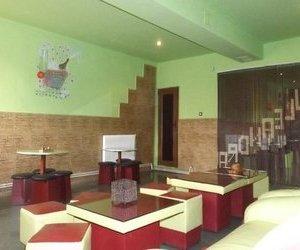 Casa +spatiu comercial+afacere  7 camere de vanzare Central Curtici X1RF11353