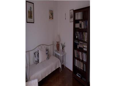 Apartament 3 camere de inchiriat Micalaca 1918