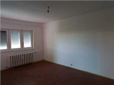Apartament 2 camere de vanzare Micalaca 1974