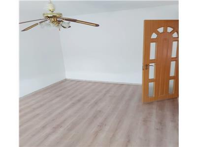 Apartament 3 camere de vanzare recent renovat X1RF105HA